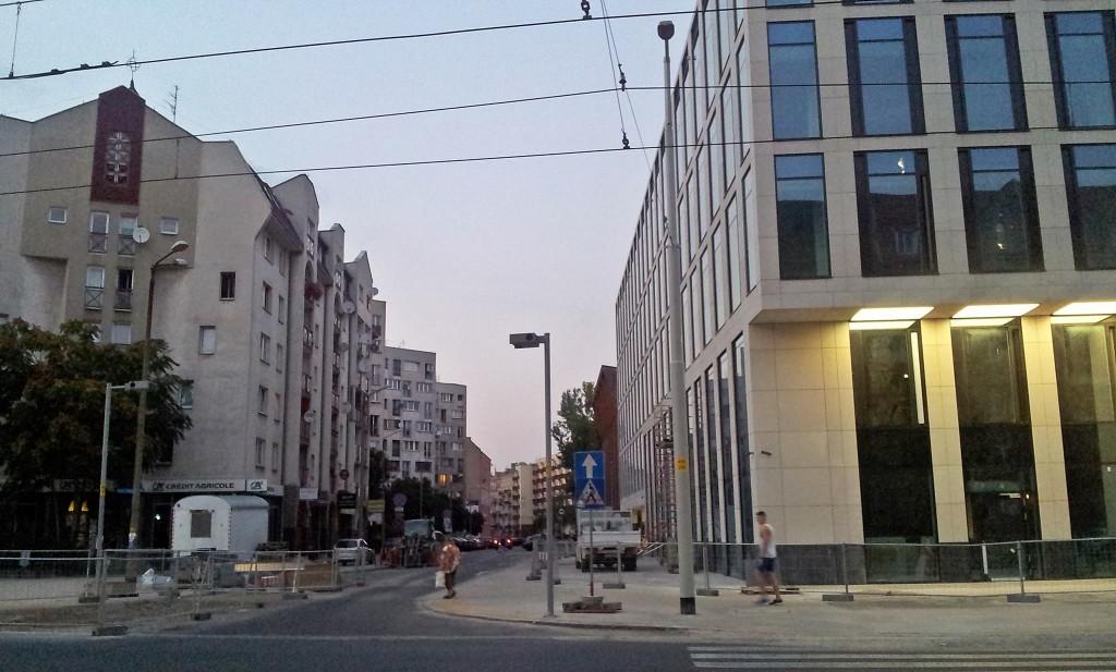 Nobilis Business House - od strony ul. Reja również 0 drzew